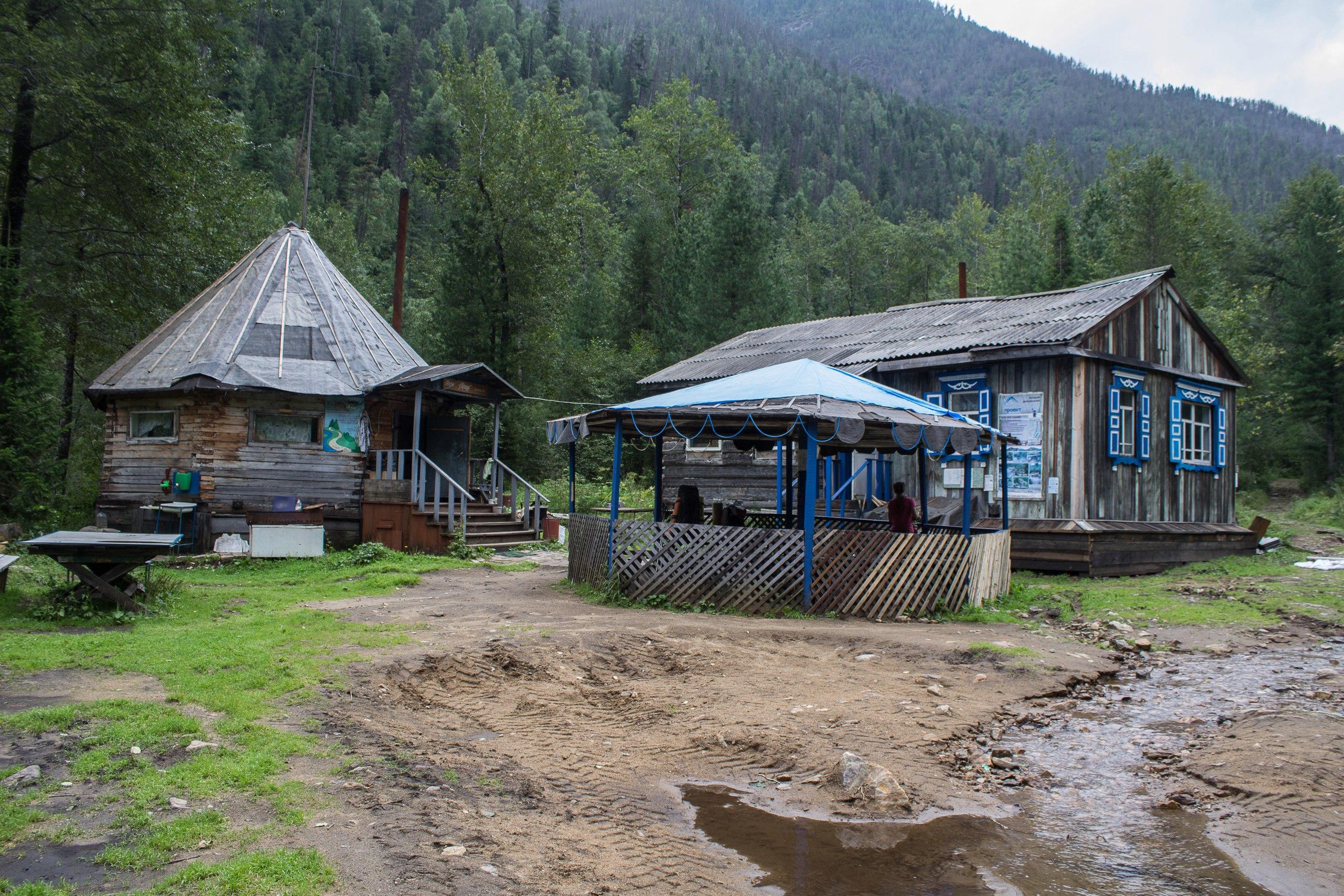 кафе и другие постройки