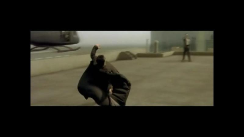 011 -- Матрица 1 -- Нео уворачивается от пуль