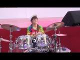 羅小白S. White - Bar Bar Bar (Crayon Pop). Барабанщица-виртуоз из Тайваня.Amazing Girl Drummer