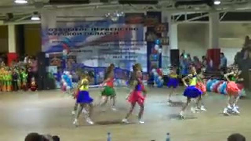 Alisa Kozhikina tancuet pod Ne detskoe vremya http_--vk.com-club43195289.240