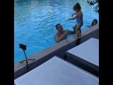 Ксения Бородина с мужем и детьми наслаждаются отдыхом в Турции