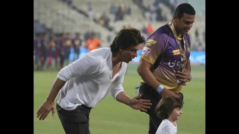 SRK Running With Son AbRam At Eden Gardens After KKR vs MI VIVO IPL 2017