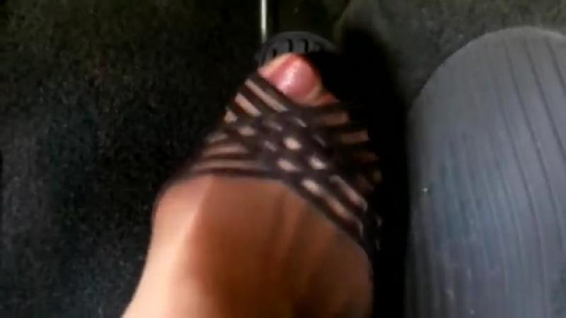Brown old heels Sexy сексуальные эротические ноги стопы обувь колготки девочки мамаши школьницы студентки молодые