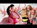 У Маши и Даши новая няня из Китая. Мама Барби