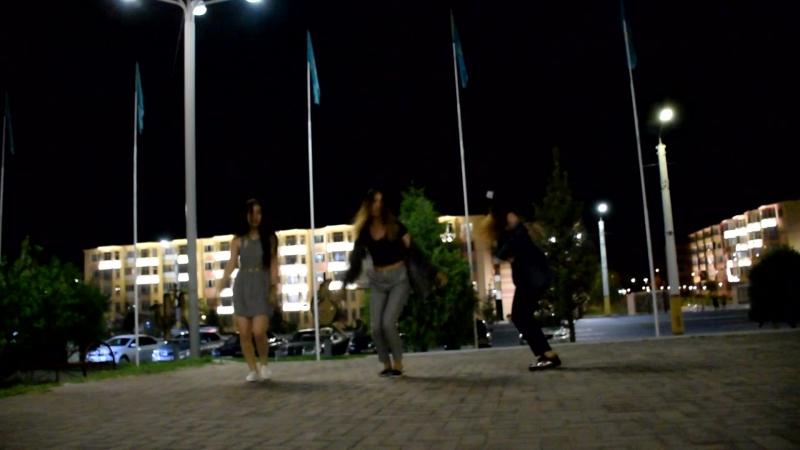 Танец наших Красавиц в Трипе)
