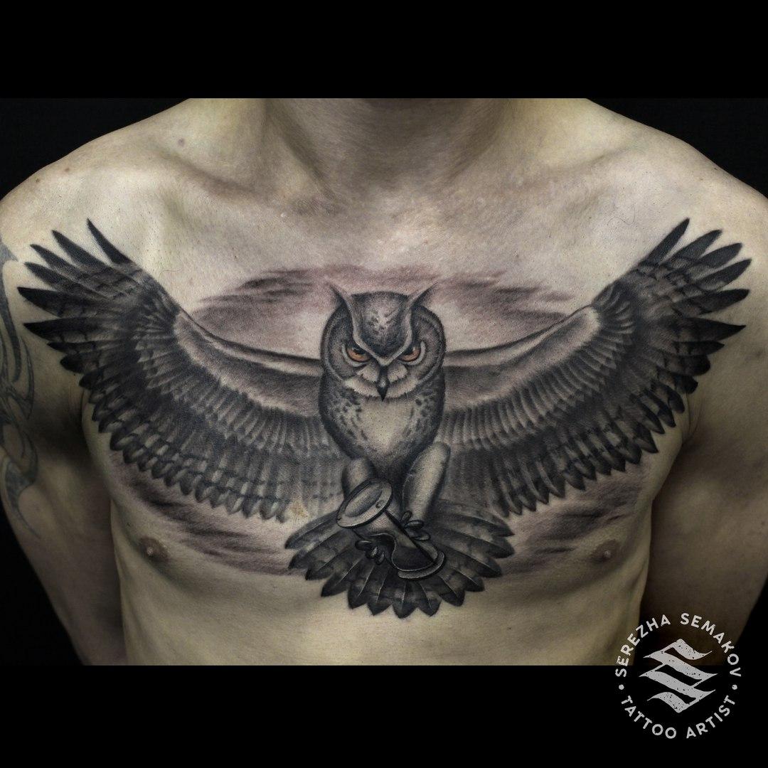 Художественная татуировка «Сова» Мастер Сергей Семаков