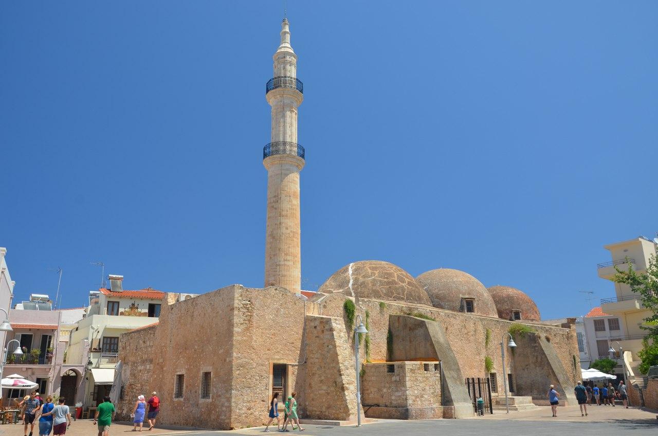 -ptV6cttw5k Ретимно один из самых красивых городов на Крите.