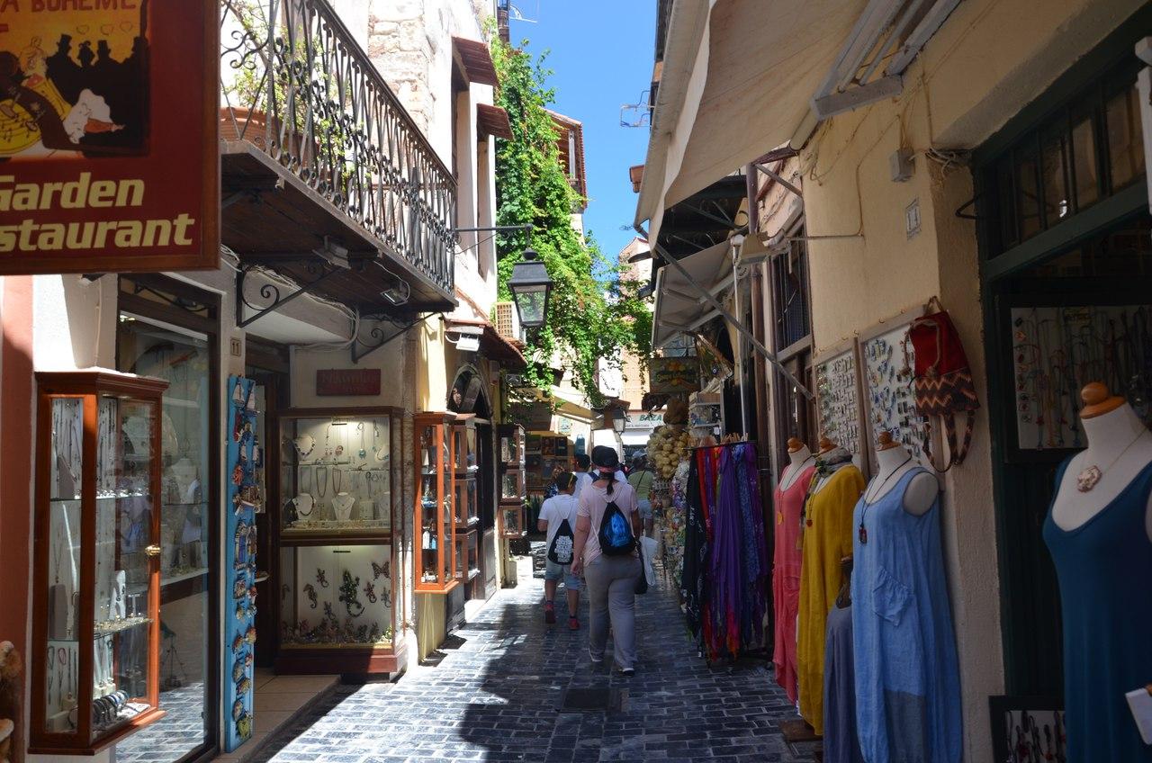 Y8AVckJyS3c Ретимно один из самых красивых городов на Крите.