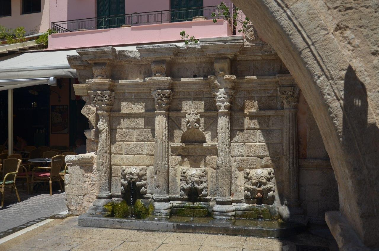 b5zkT3HAMW4 Ретимно один из самых красивых городов на Крите.
