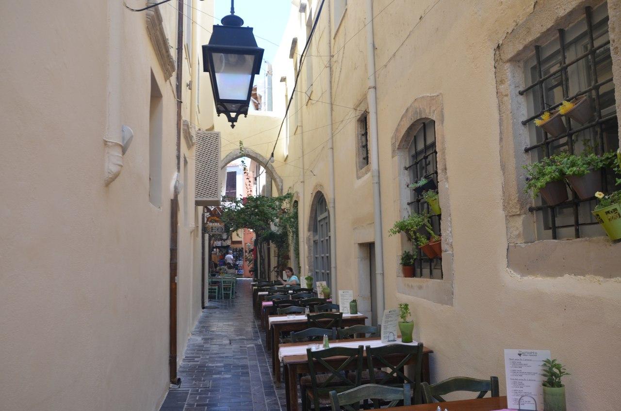aCJwlXSZ7BU Ретимно один из самых красивых городов на Крите.