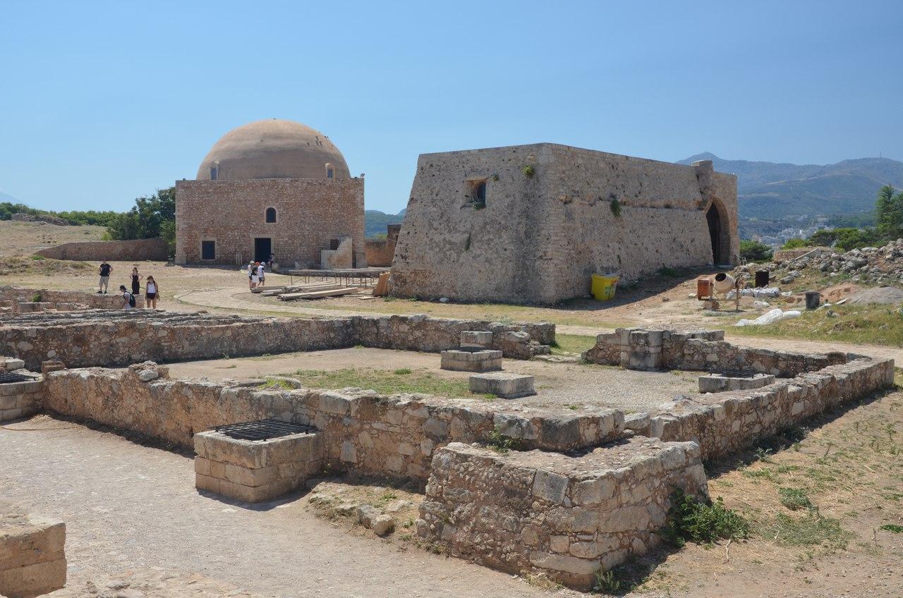 Pf9SneRu4tQ Ретимно один из самых красивых городов на Крите.