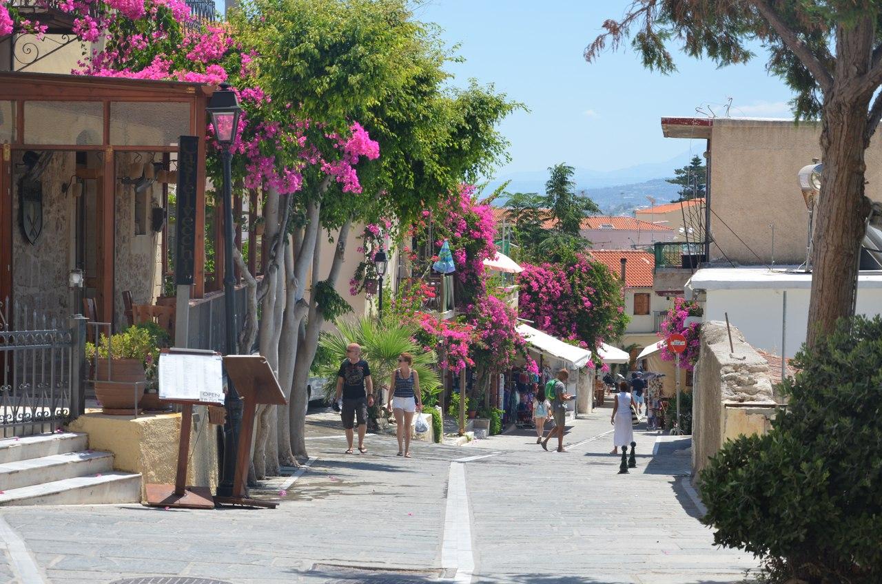 Cb-PrDJk8tM Ретимно один из самых красивых городов на Крите.