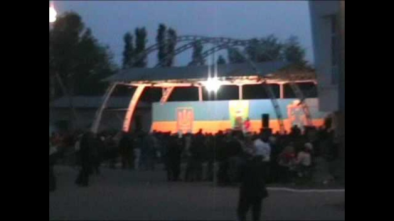 Уходят солдаты в небо...9 мая 2010г Салют пгт Веселое