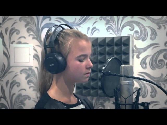 Девочка классно поет песню. Виктор Цой - КУКУШКА.