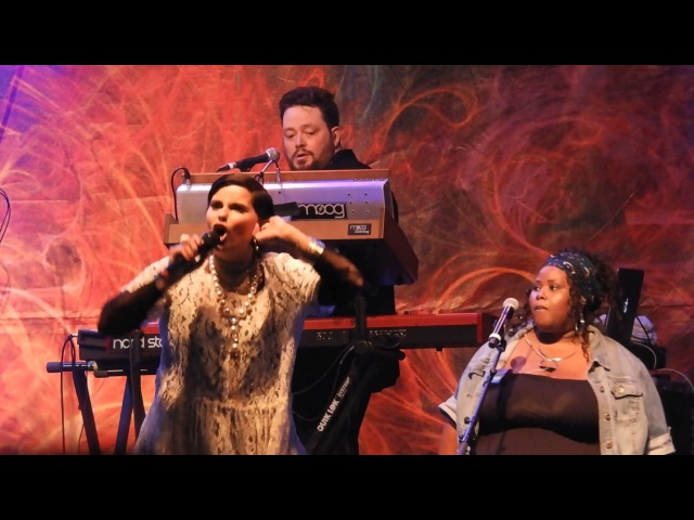 Turn Off the Light - Nelly Furtado live! @ 2017 Surrey Fusion Festival