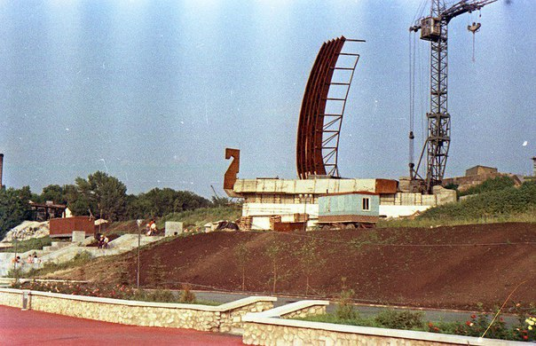 Строительство ладьи. Фото из паблика старая Самара.