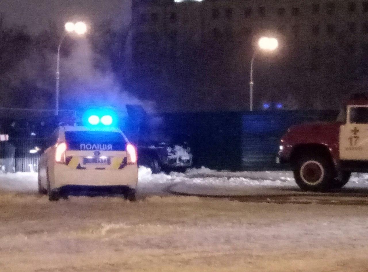 В центре Харькове горела машина (ФОТО)