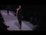 Кендалл и Джиджи на подиуме модного показа Tom Ford