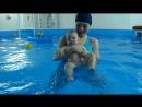 Полина на занятиях с инструктором в детском бассейне BabyPool Приглашаем деток с 1 месяца до 6 лет в детский центр BabyPo