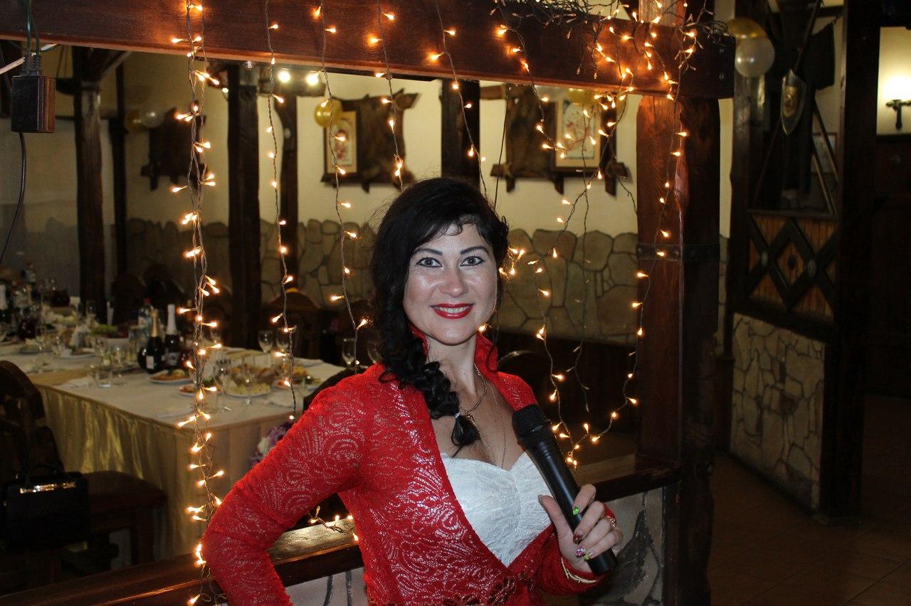 Мария Сенчик   творческая, ответственная, искренняя ведущая Фото (Коломна) шоу свадьба ПРАЗДНИК невеста жених ведущая