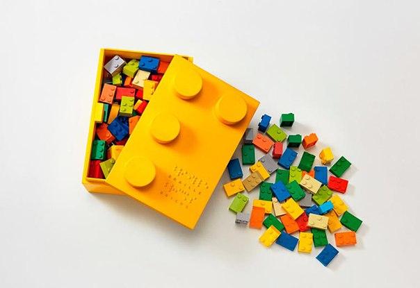«Кубики Брайля», внешне похожие на LEGO, помогают незрячим Детям учить