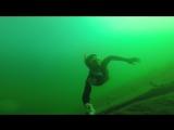 Погрузился на 12 метров без акваланга.