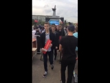 Прямо посреди выступления Навального слушатели уходят с грустными лицами )))) Думали, будут 10к евро давать, а тут балабол обыкн
