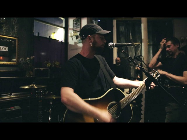 Tom Grennan - First Day of the Sun (@ The Boogaloo, 20072016)