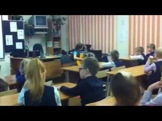 Выступление перед первоклассниками. Васильева Даша