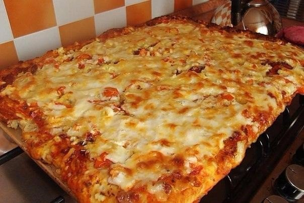 Быстрая пицца на противне Это рецепт для тех,
