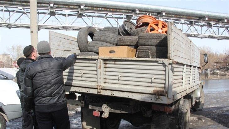 Двое северчан получили сроки за кражу из гаражей колес, канистр и посуды на 1,4 млн.