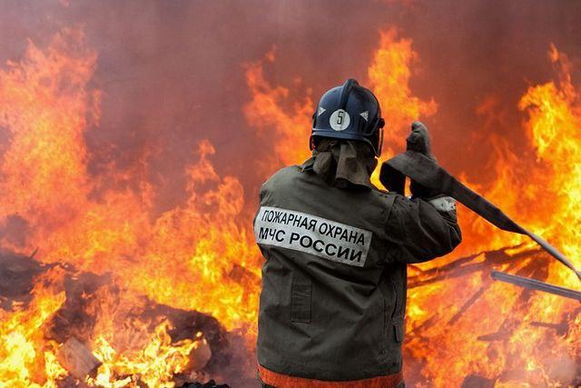 В Сторожевой сгорело заброшенное здание