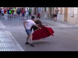 Как испанцы развлекаются Fiestas Barrio (Castellon)