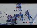 Драка в хоккее. Артюхин кладет 5-ку Финов.