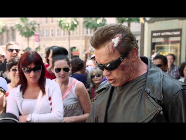 Арнольд разыграл прохожих к выходу фильма Терминатор: Генезис!