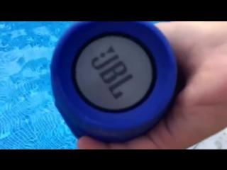 Водонепроницаемая беспроводная колонка JBL CHARGE2