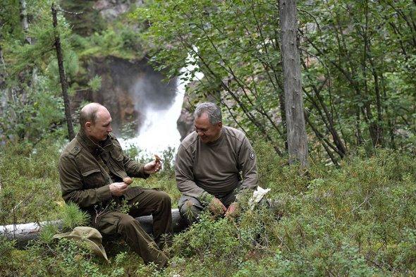 U3DrO3GzJ-w Владимир Путин на отдыхе в Хакасии