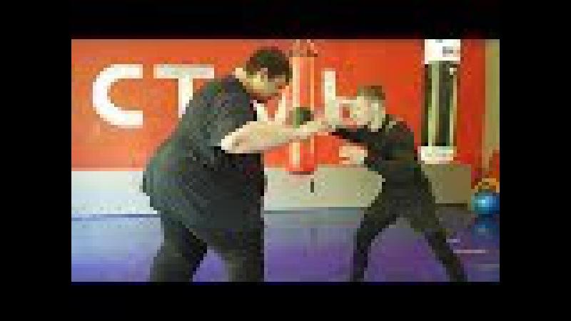 Толстяк (260kg) против бойца (60kg) / Fatboy vs little fighter