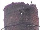 Мужики снесли трубу котельной отбойным молотком, ломом и домкратом