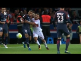 Neymar Jr humiliates his opponent with a perfect sombrero flick!
