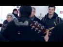 Днепропетровск поёт! В ЛОГОВЕ БАНДЕРОВЦЕВ С депутатом! - песенный флешмоб