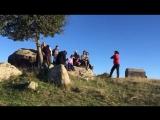 Горис, село Ханацах. Поем песни фидаи на вершине горы