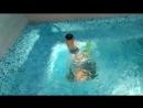 Данька ныряет!  Мой сын сам учится плавать в 5 лет.