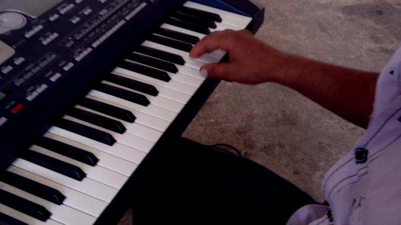 Valod Pnjoyan - Armenian Keyboard Music Video