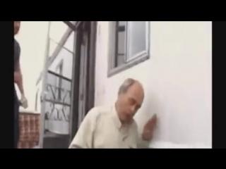 бухой мужик падает с лестницы кровь жесть алкоголика порно в попу дп цп
