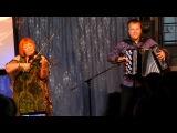 Галина Сойкина (скрипка) и Павел Сивков (баян) -