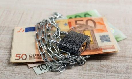 Что делать, если у вас есть кредит в закрытом банке: платить или не пл
