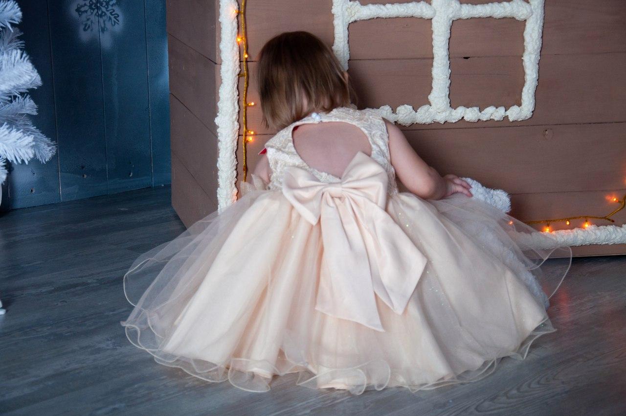 345c85e7614 Нарядные новогодние праздничные платья на утренник ...
