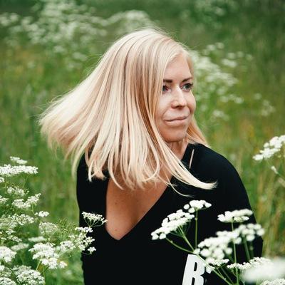 Аня Пестова