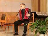 Илья Канипов  воспитанник педагога ДШИ №1 Татьяны Шкериной  исполняет обработку народной музыки Полянка.